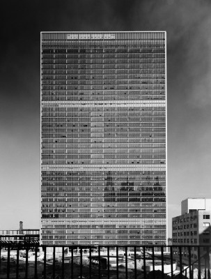 United Nations Building, International Team of Architects Led by Wallace K. Harrison, New York, NY